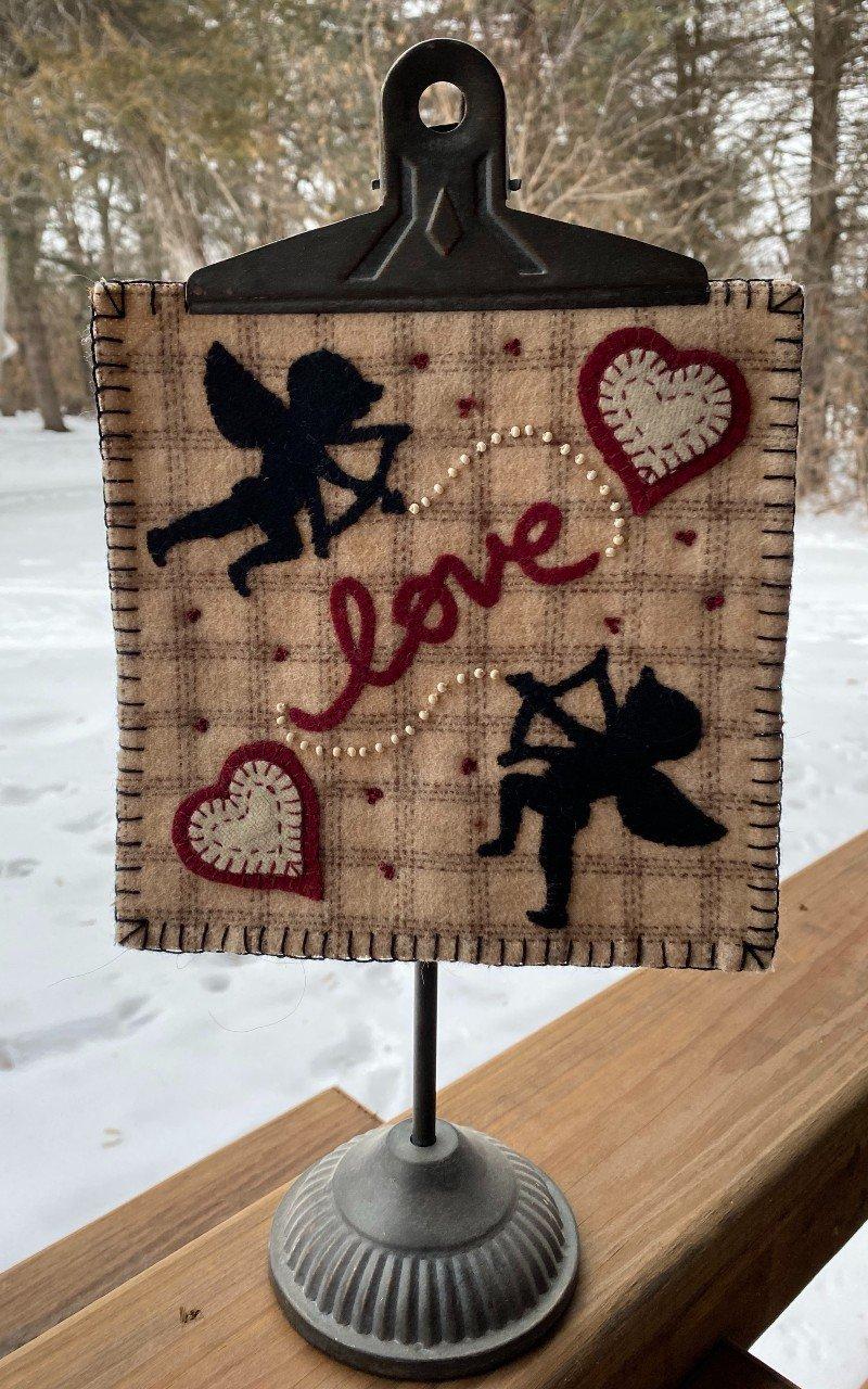 LOVE STRUCK DOWNLOADABLE PATTERN