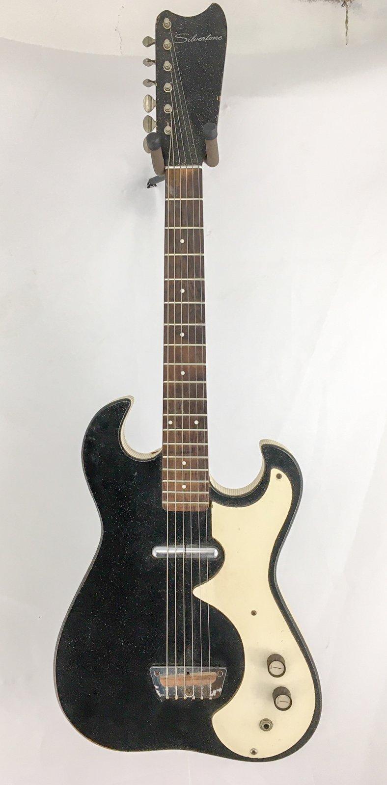 Vintage Silvertone 1448 w/Amp Case