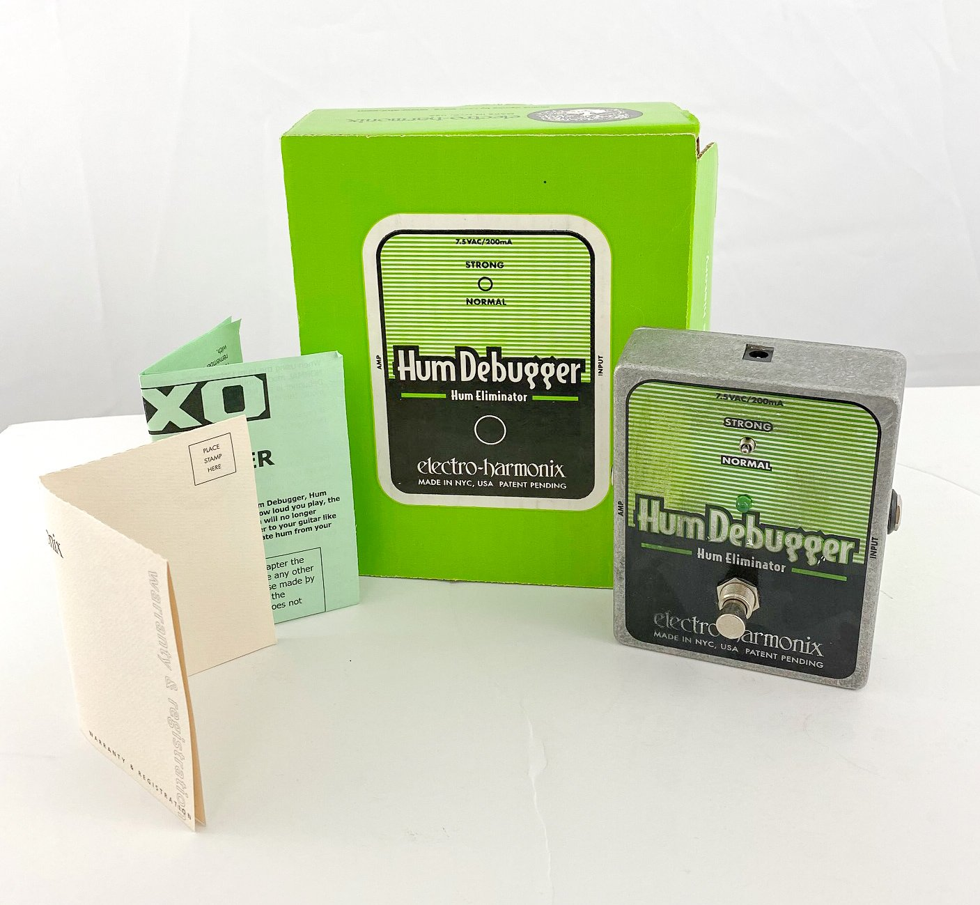 Electro-Harmonix HumDebugger noise reduction pedal