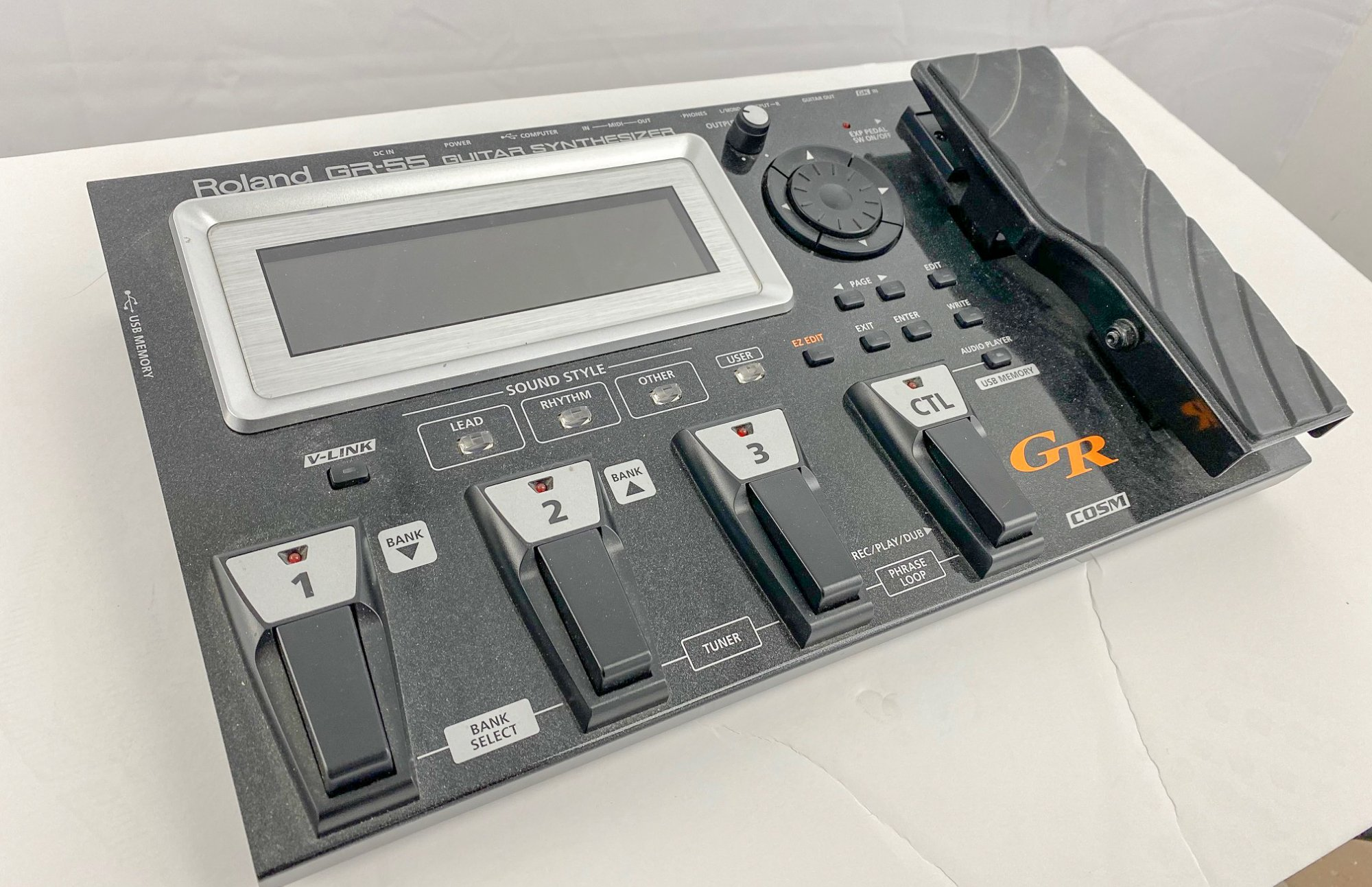 Roland GR-55 Synth Pedal w/GK-3 Pickup