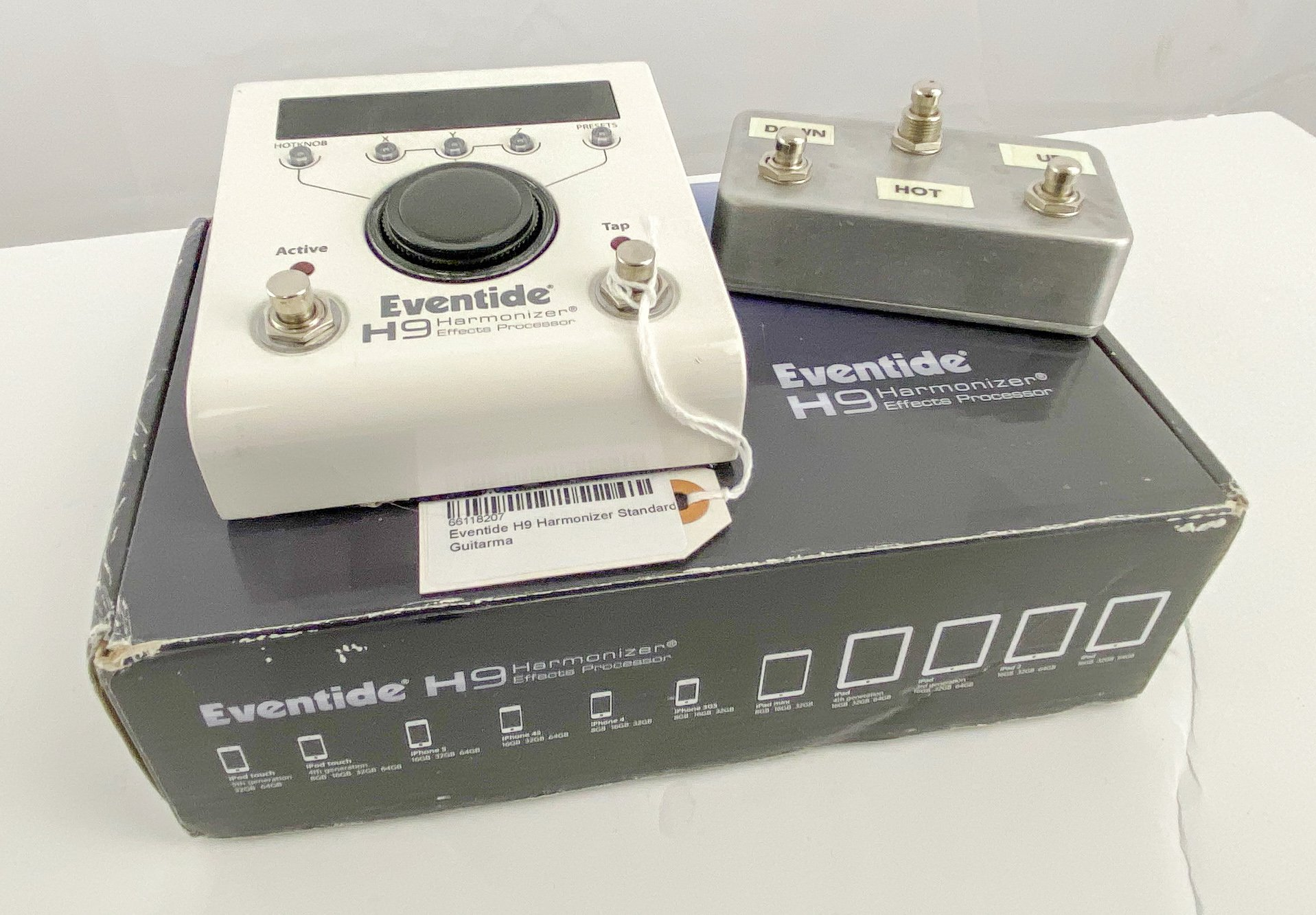 Eventide H9 Harmonizer Standard w/Aux switch + cables