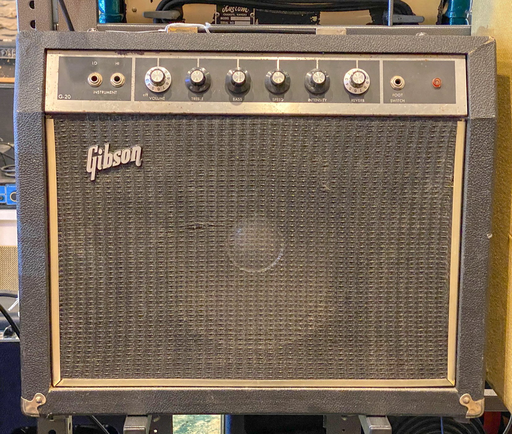 Vintage 60s Gibson G-20 1x10 combo