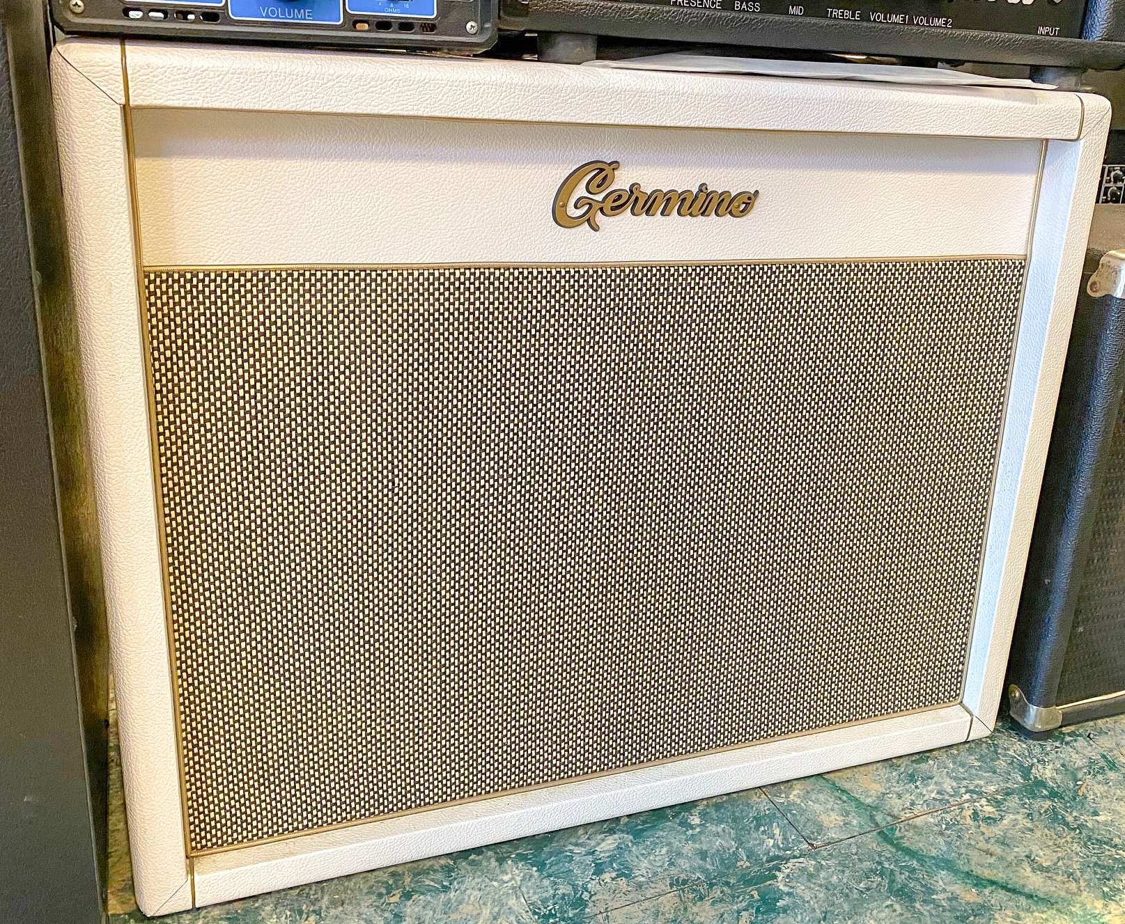 Germino 2x12 cabinet