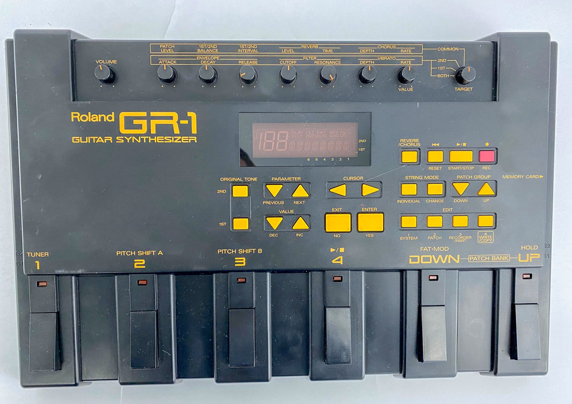 Roland GR-1 Guitar Synth - no power supply