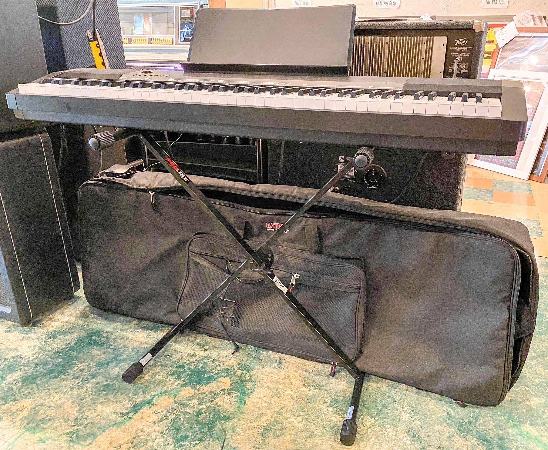 Casio CDP-135 w/sustain pedal, stand, gigbag