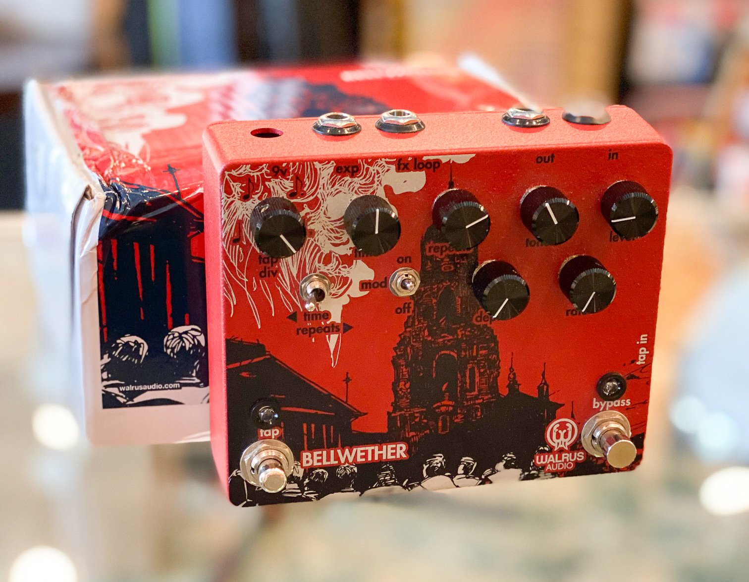 Walrus Audio Bellwether delay pedal
