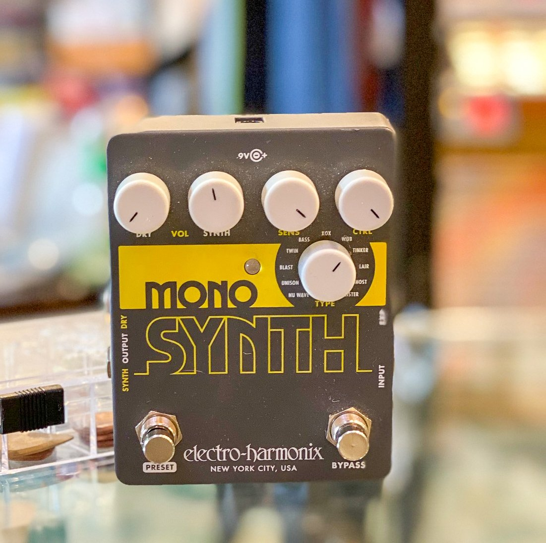 Electro-Harmonix Mono Synth pedal