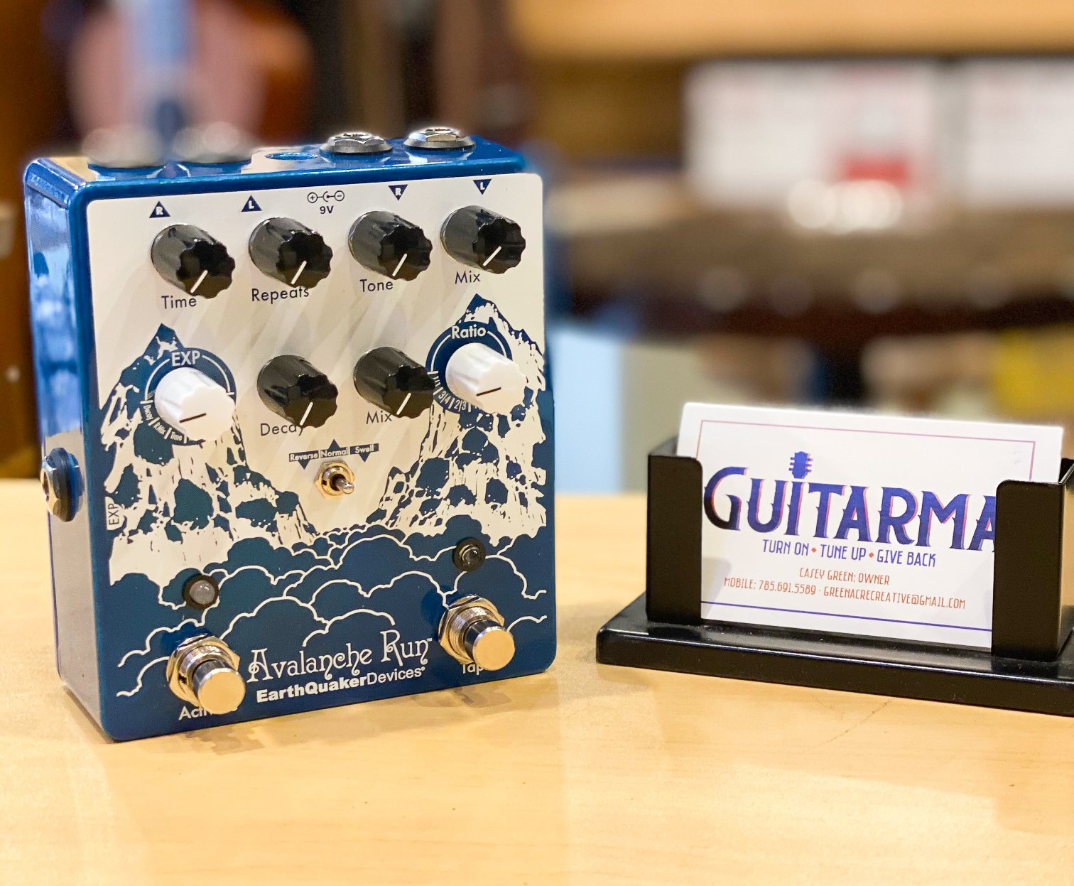 EarthQuaker Devices Avalanche Run delay/reverb pedal