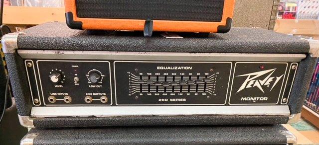 Vintage Peavey Monitor 260C Series bass amp/PA head