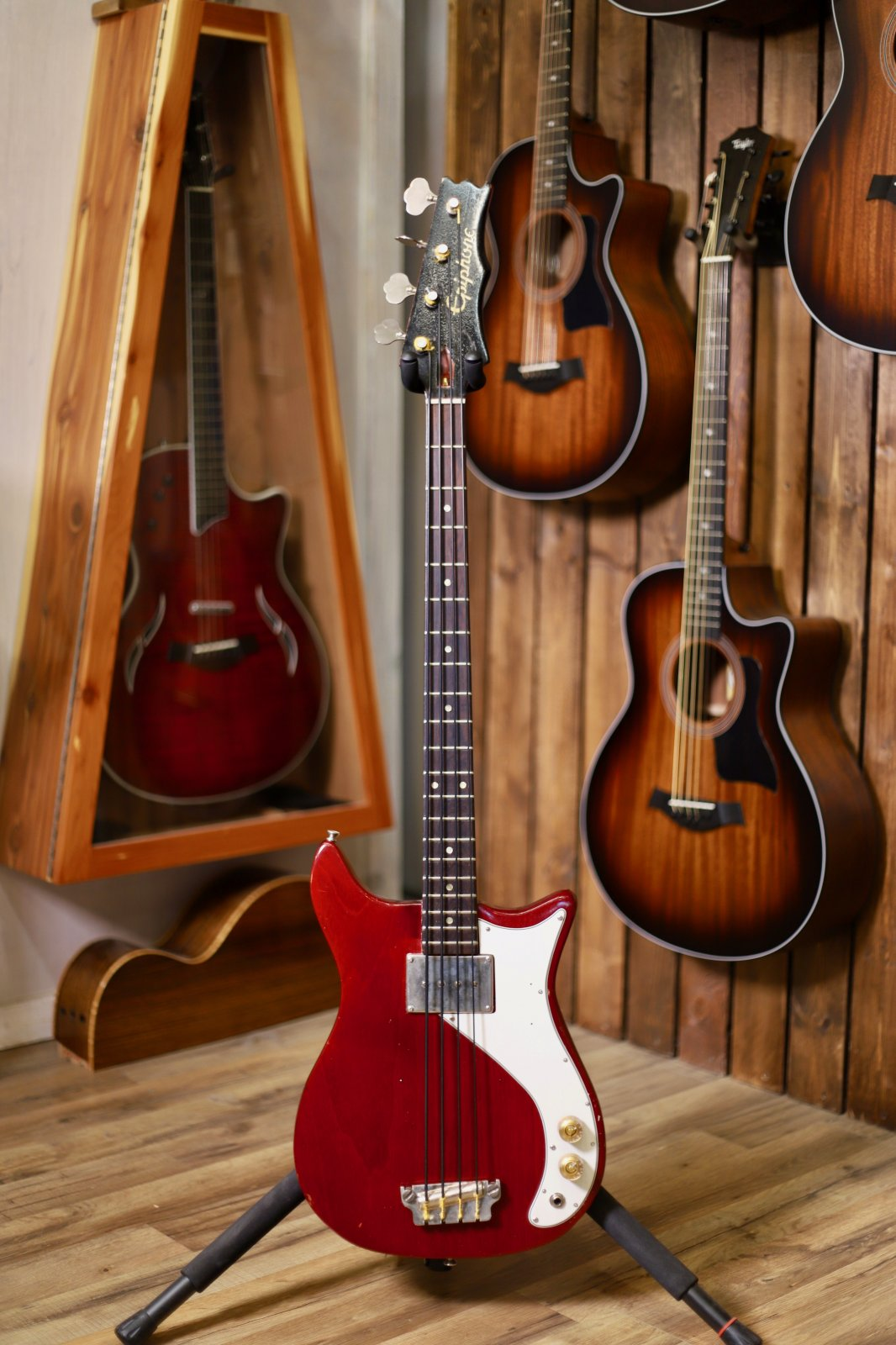Pre-Owned 1965 Epiphone Newport Bass