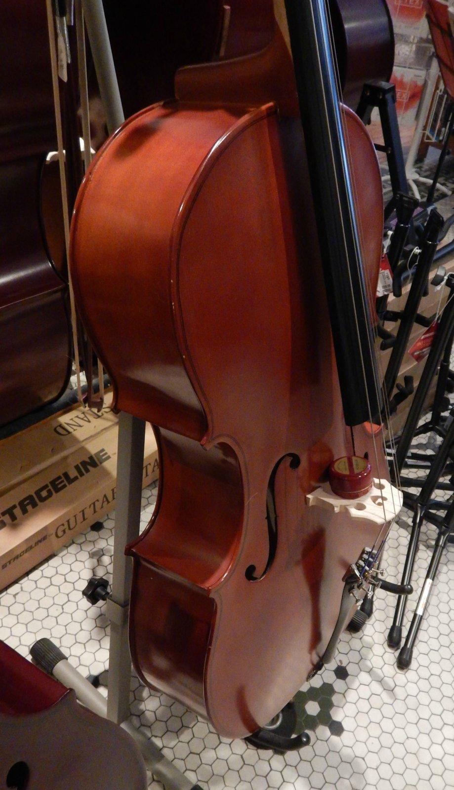 Engelhardt E120 Cello w/gig bag and bow