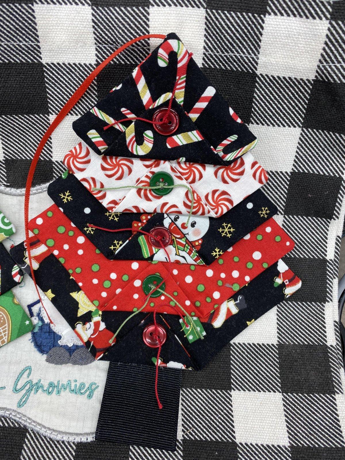 Christmas Tree Ornament Kit (Gnomie fabrics)