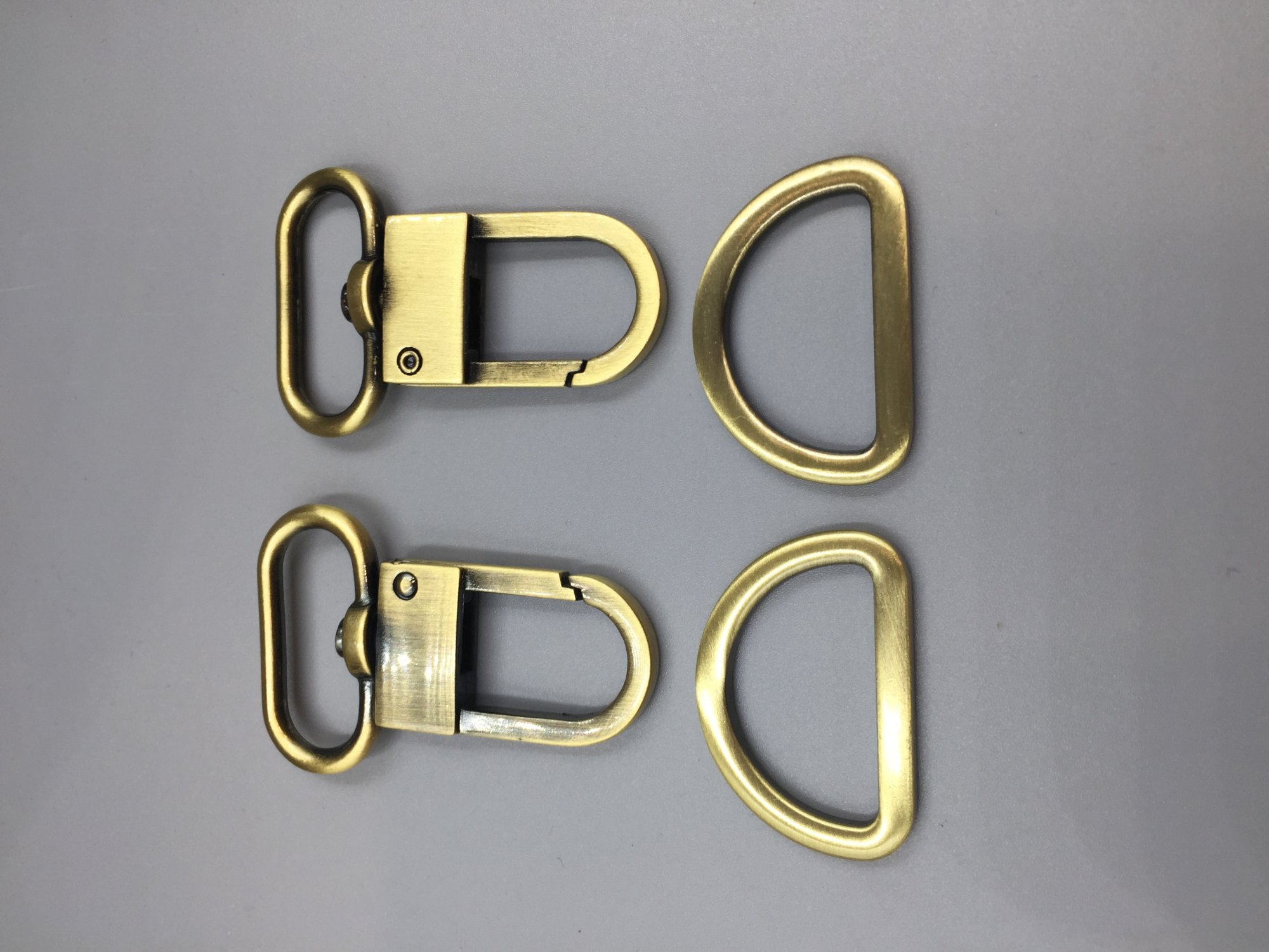 1 Sswivel Hook Set - Antique Brass