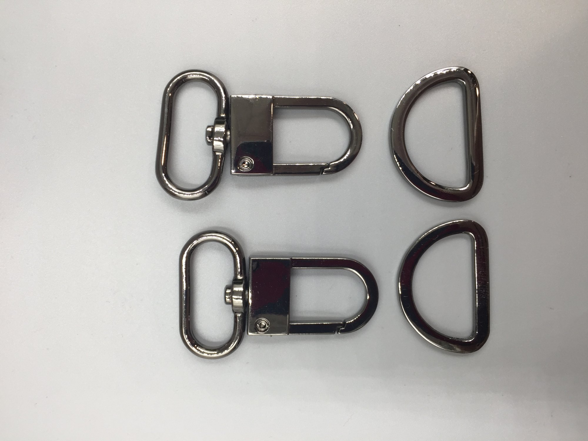 1 Swivel Hook Set - Gun Metal