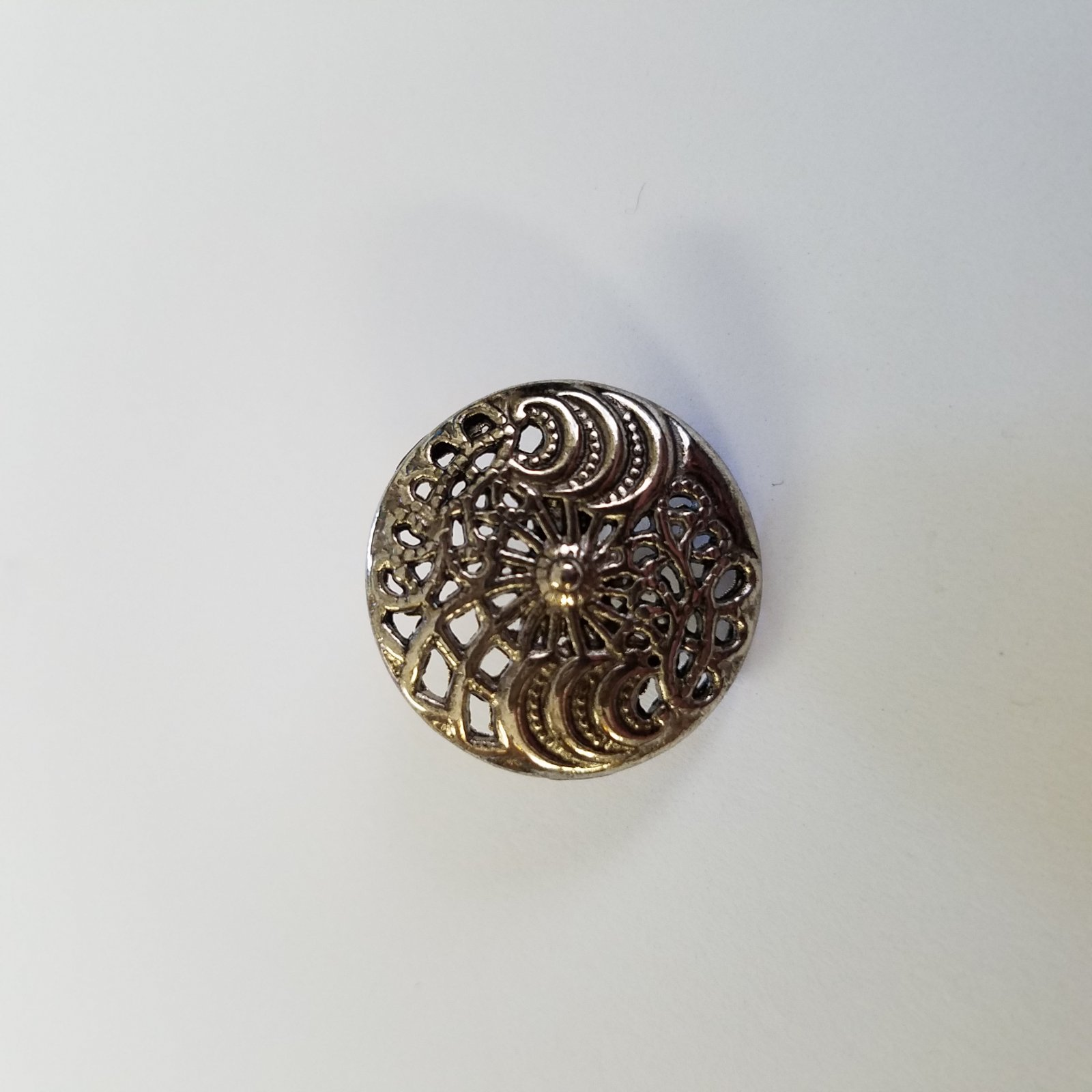 20 MM Large Round Silver Button
