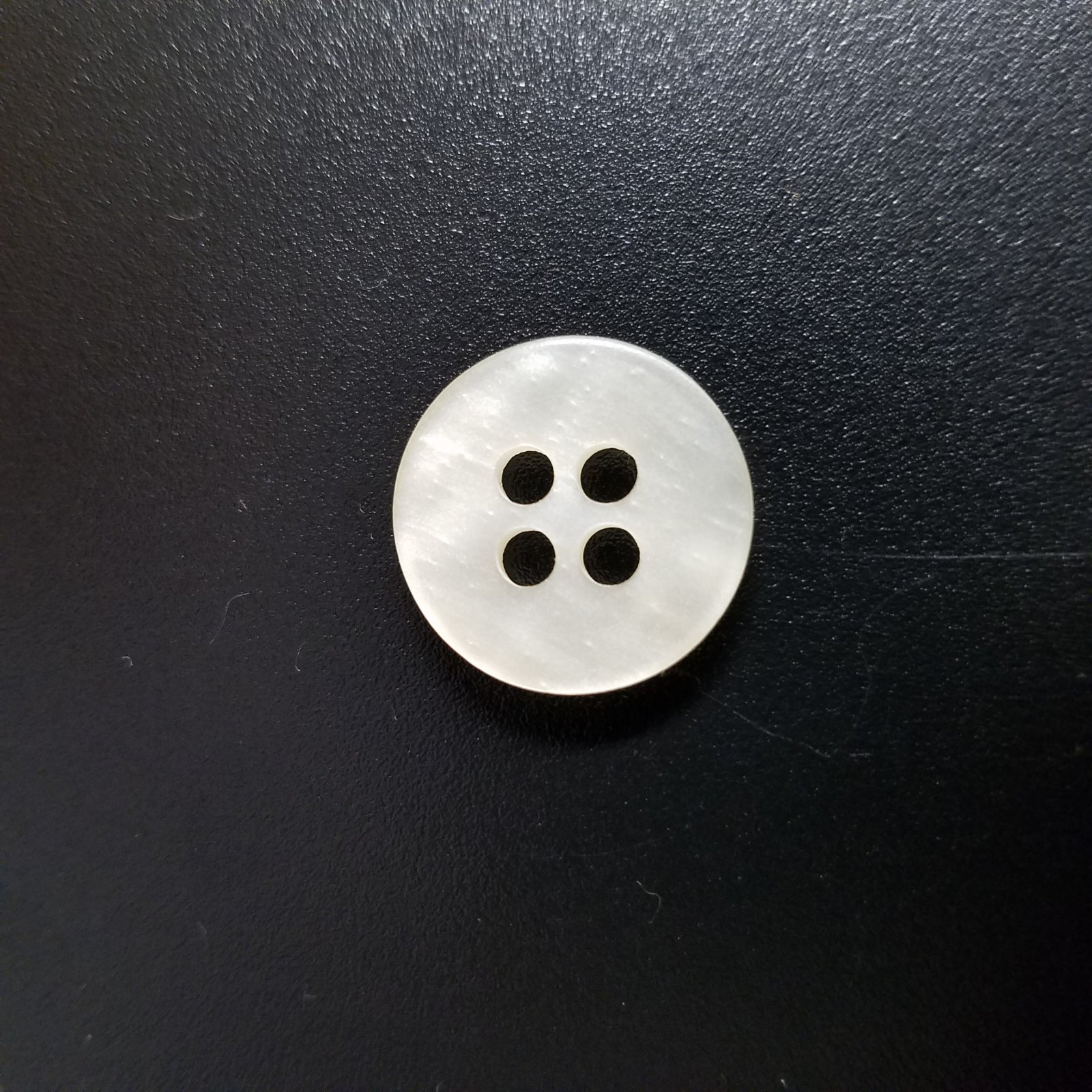 18 MM Round Pearl Marbled 4 Hole Button