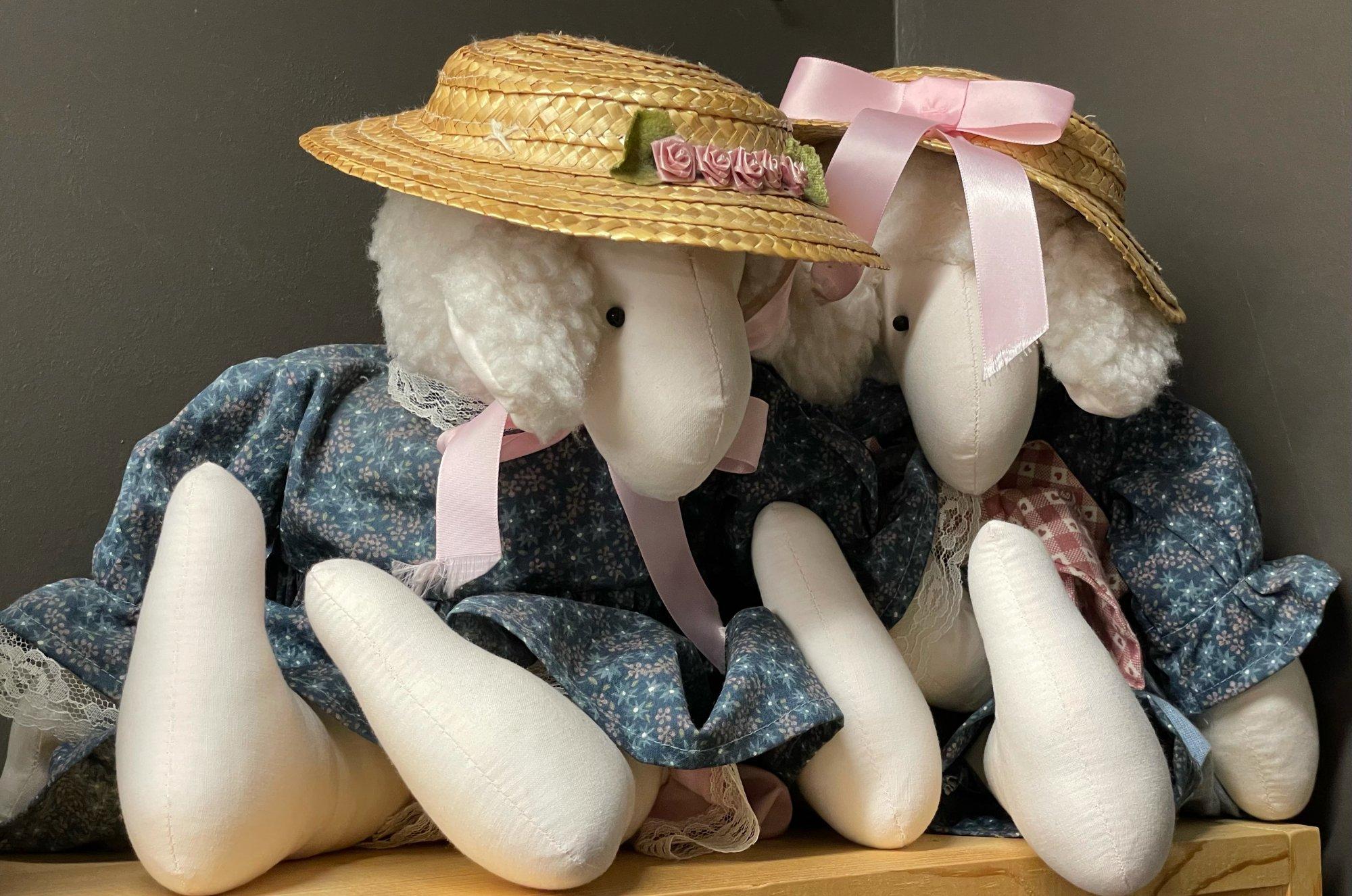 Sheep Couple (Pair)