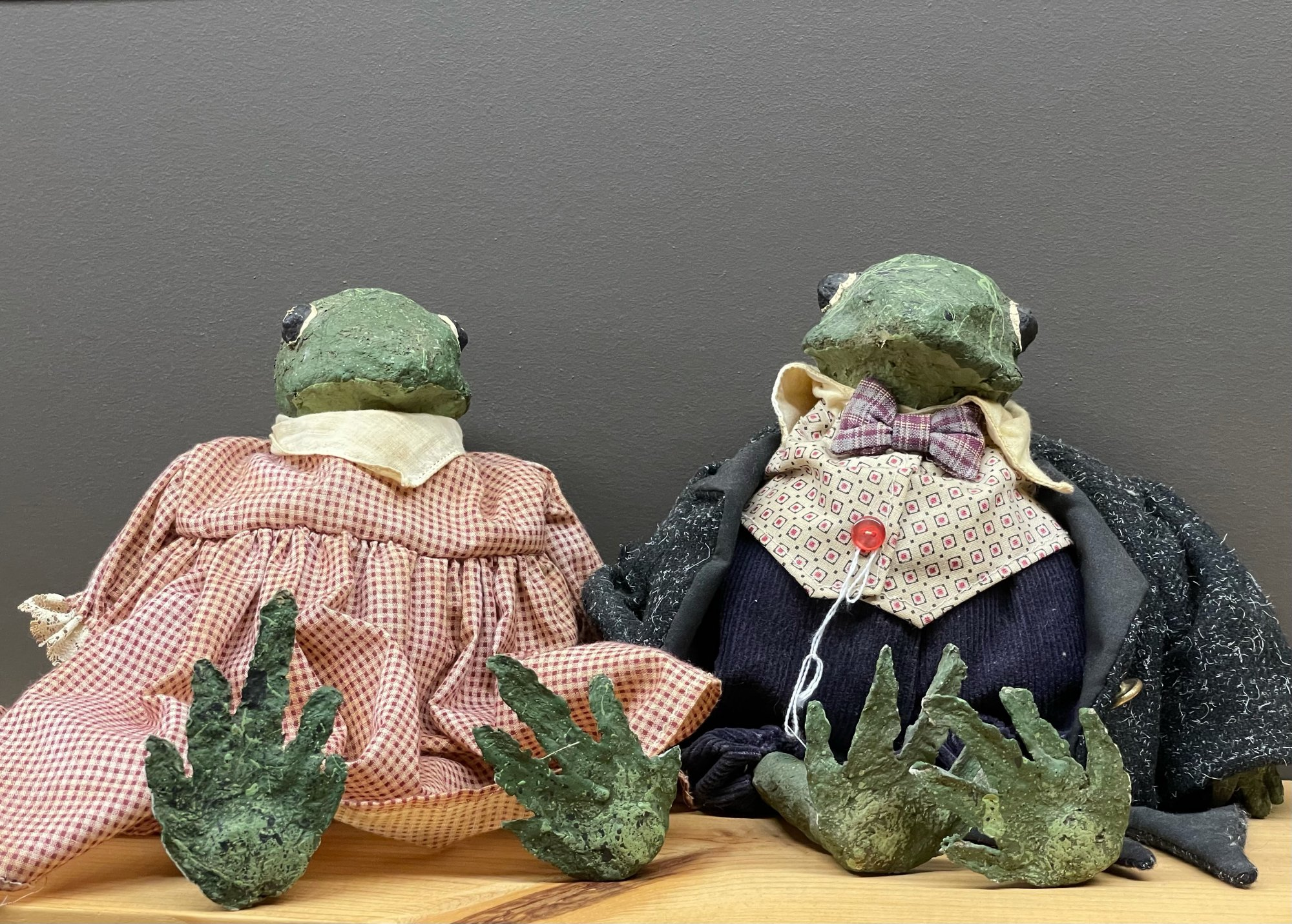 Frog Couple (Pair)