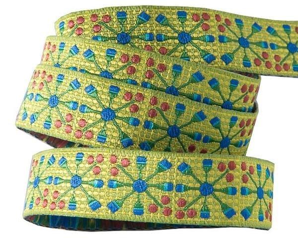 5/8in Blue Flower Wheel - Sue Spargo / Renaissance Ribon