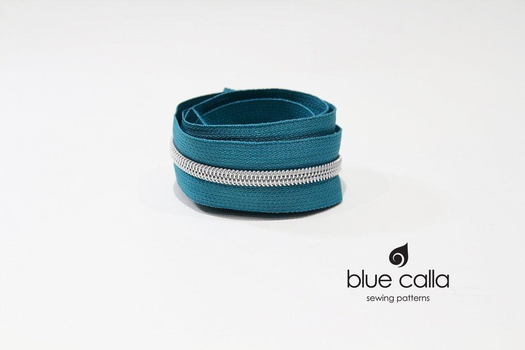 Blue Calla - #5 Metallic Nylon Coil Zipper - 1m - Teal/silver