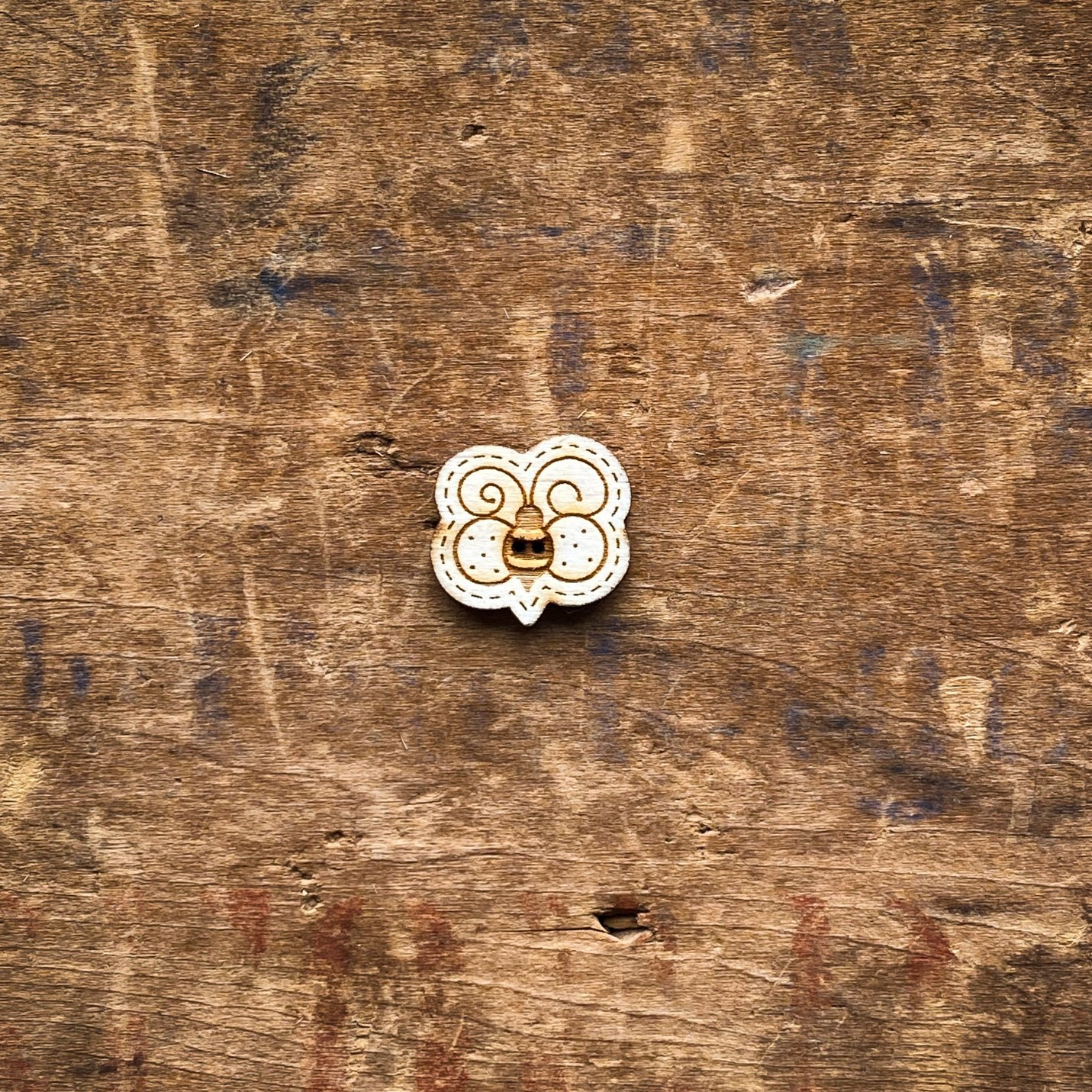 Bumble Bee Wooden Button