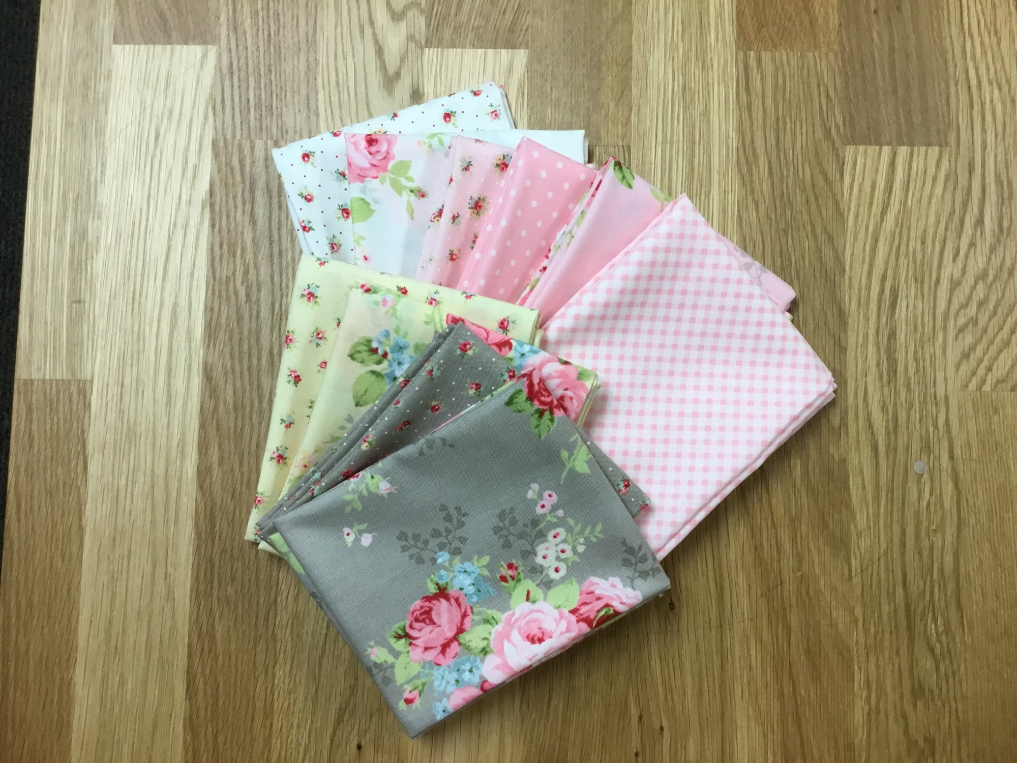 Amberley Fat Quarter Bundle