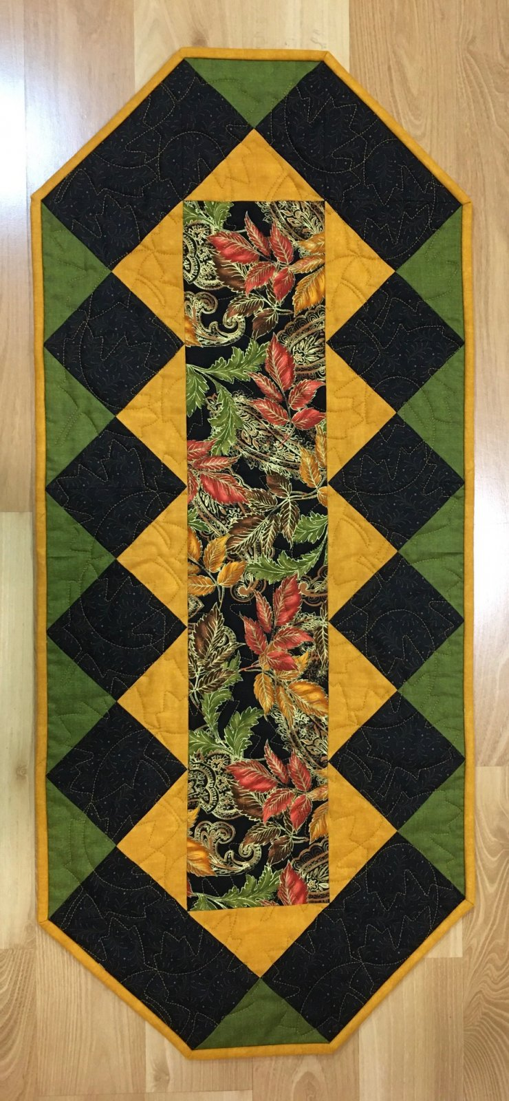 Radiant Leaves Fall Table Runner Kit