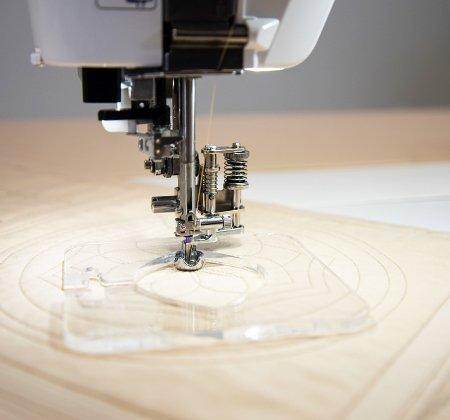 Janome 1/4 Ruler foot for Low Shank Horizontal Rotary Hook Models (9 mm/7 mm maximum width)
