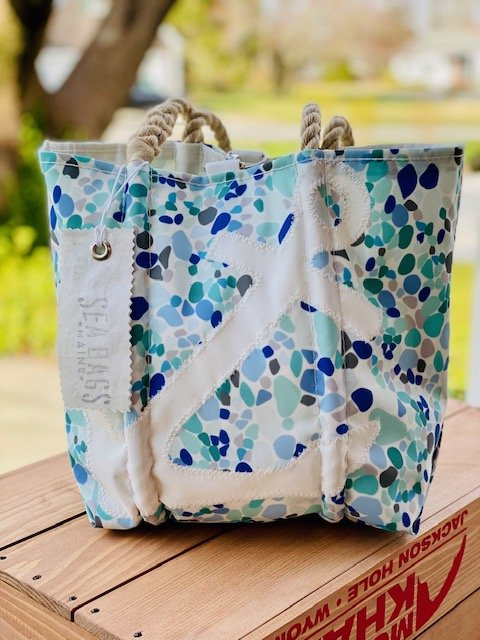 SeaBags Medium Tote with Clasp Seaglass Anchor