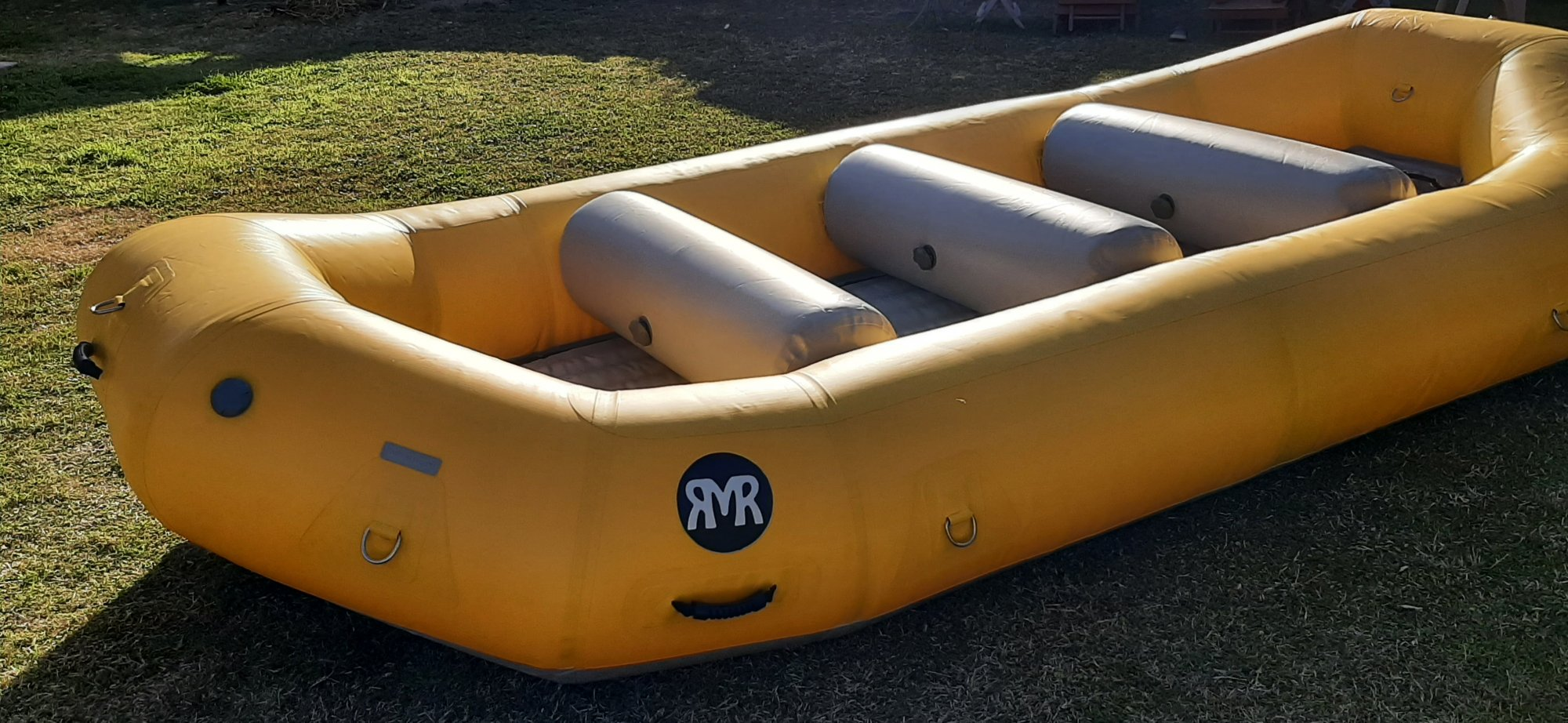 RMR SB 140 14' self bailing raft - Used Demo