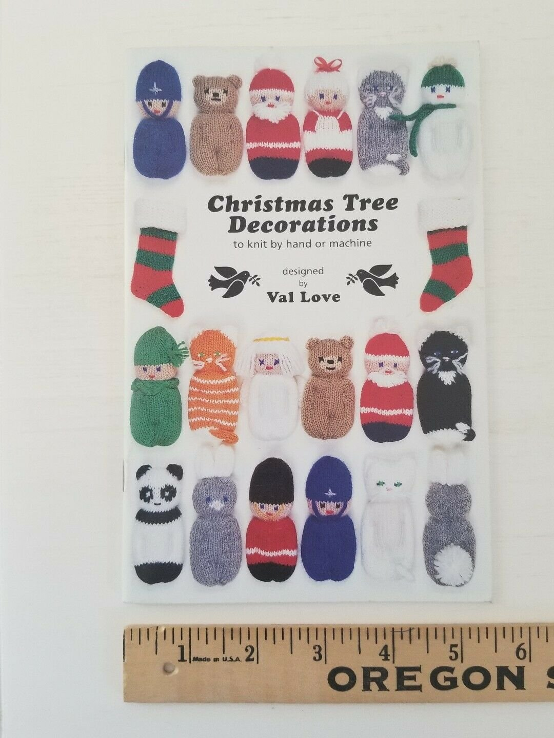 Val Love Christmas Tree Holiday Decorations To Knit By Hand Or Machine Booklet
