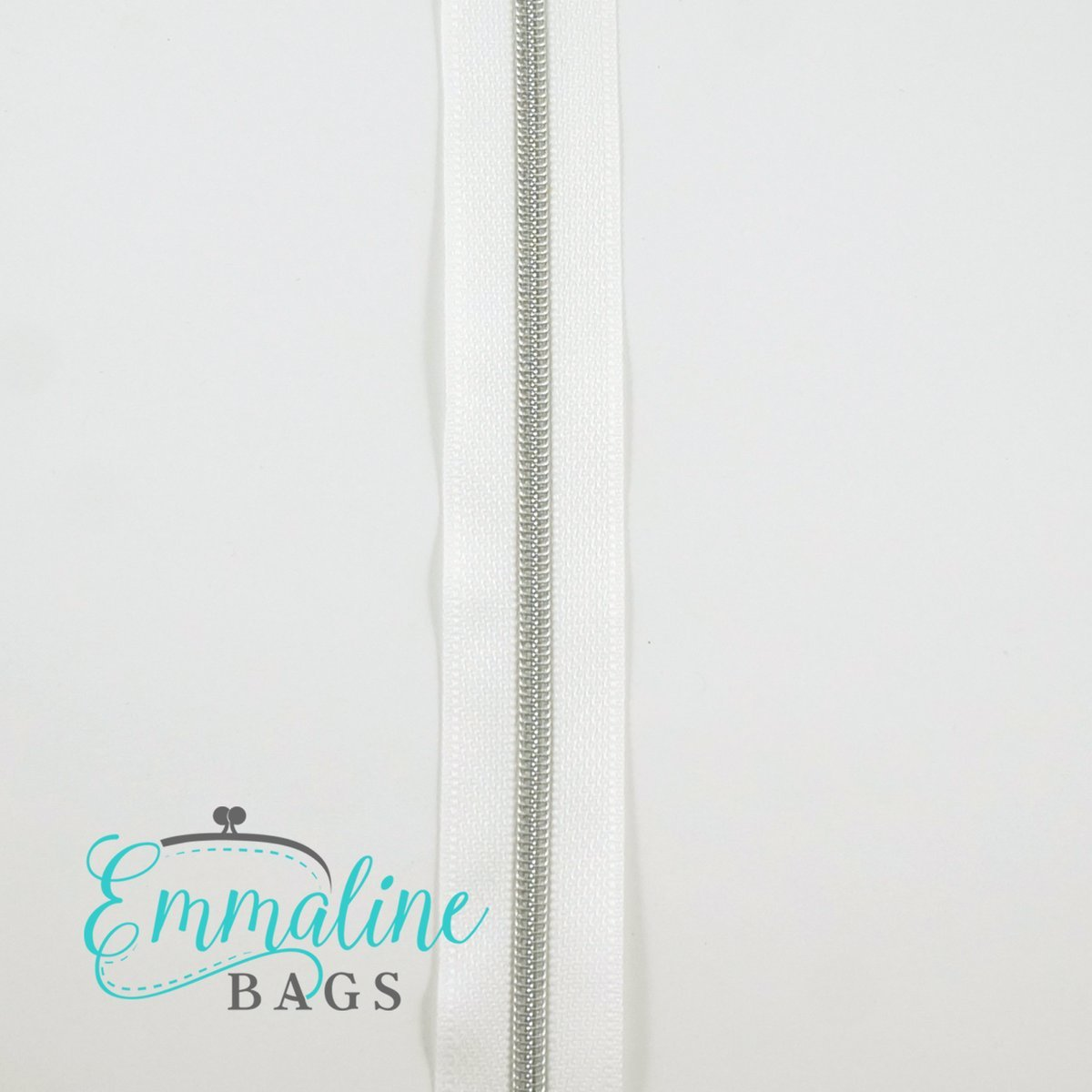 Zipper by the yard size 3 - White with Silver