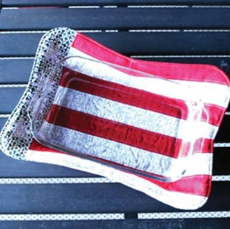 CLPCRM008   Americana Casserole Hot Pad