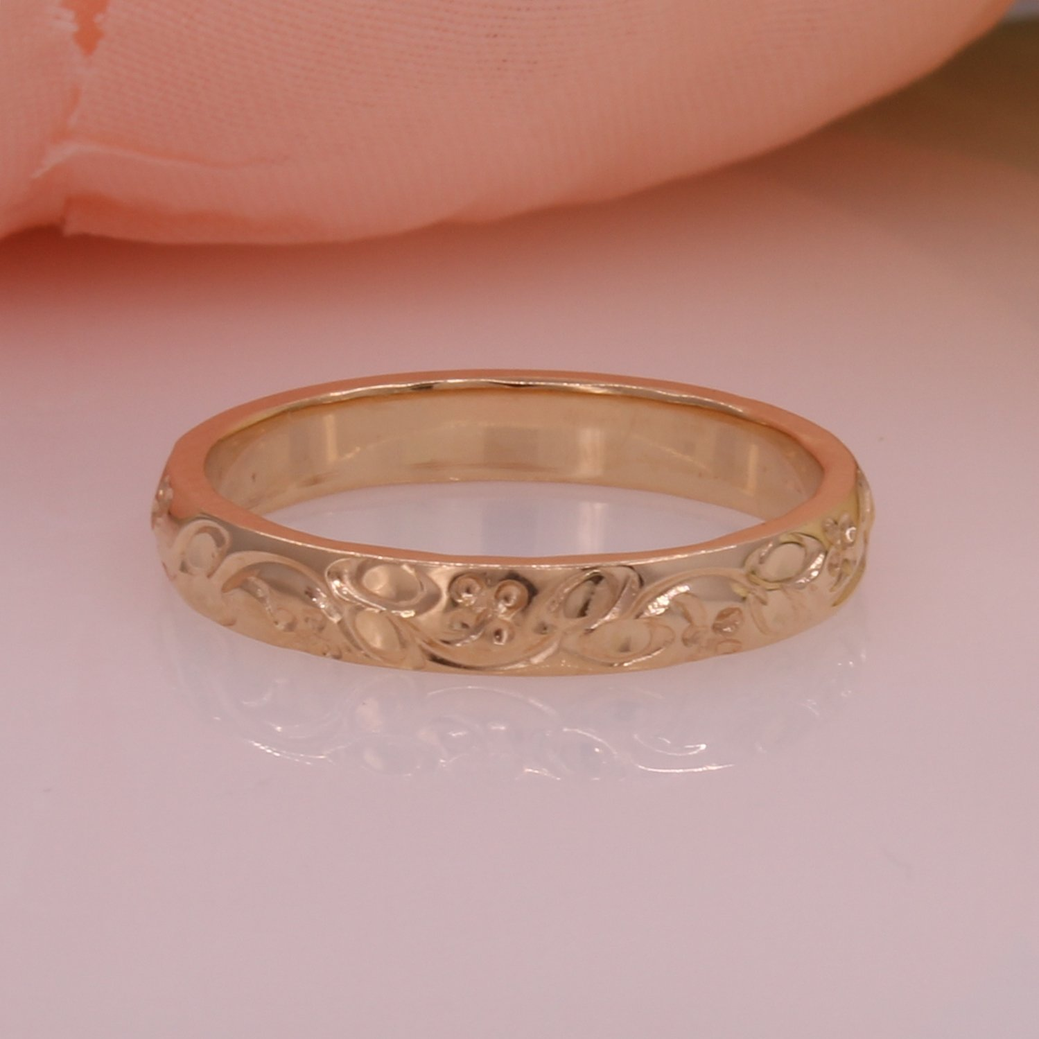 14ky Fancy Engraved Band 3mm Size 5.75