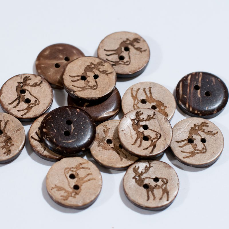 (AE-018)  Pack of 15 Brown Carved Deer Buttons .69 inch