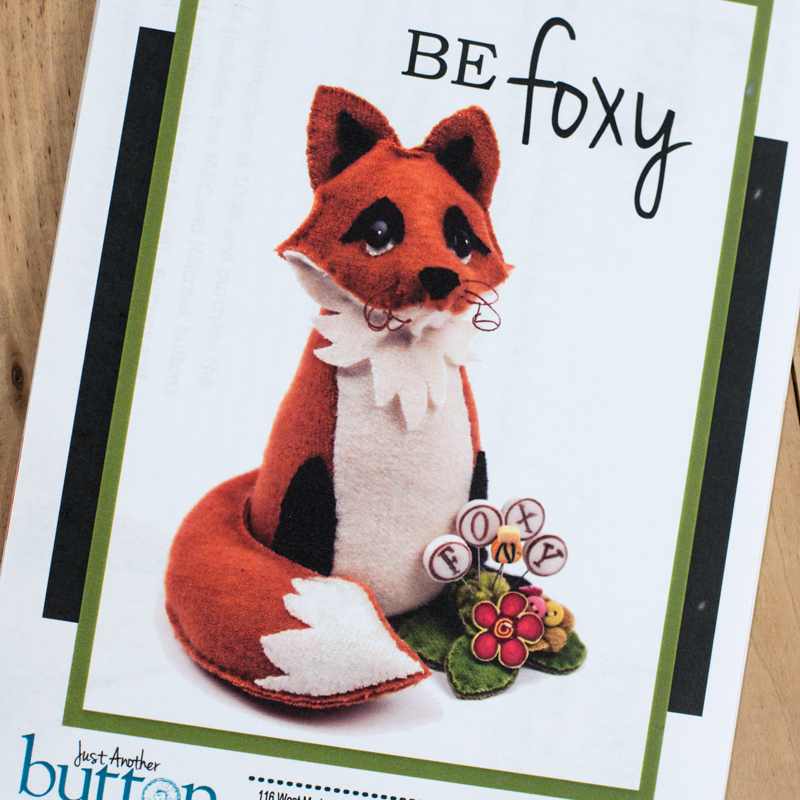 (JABC-P1060)   Be Foxy Pincushion
