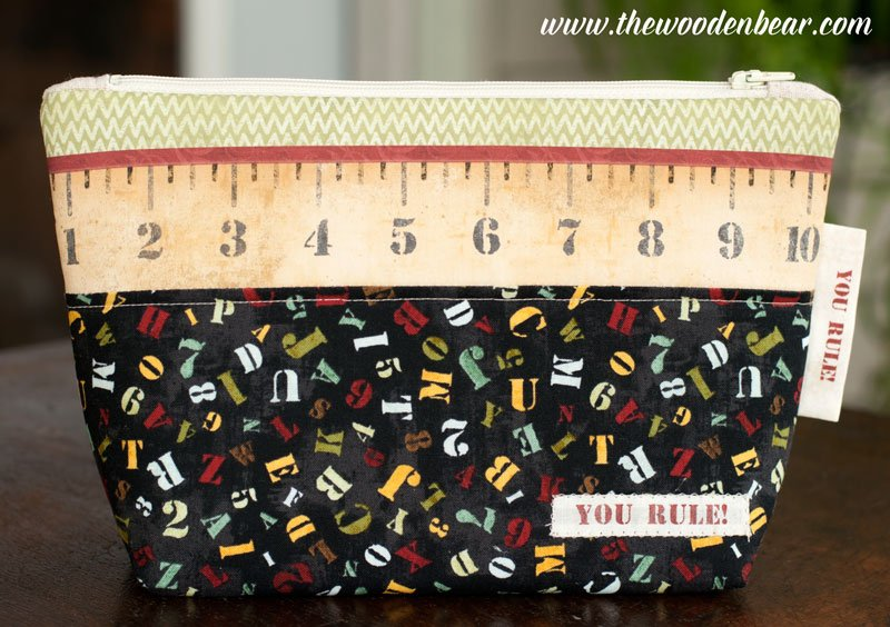 (TWBC08)  Stand-Up Pouch School Days Ruler