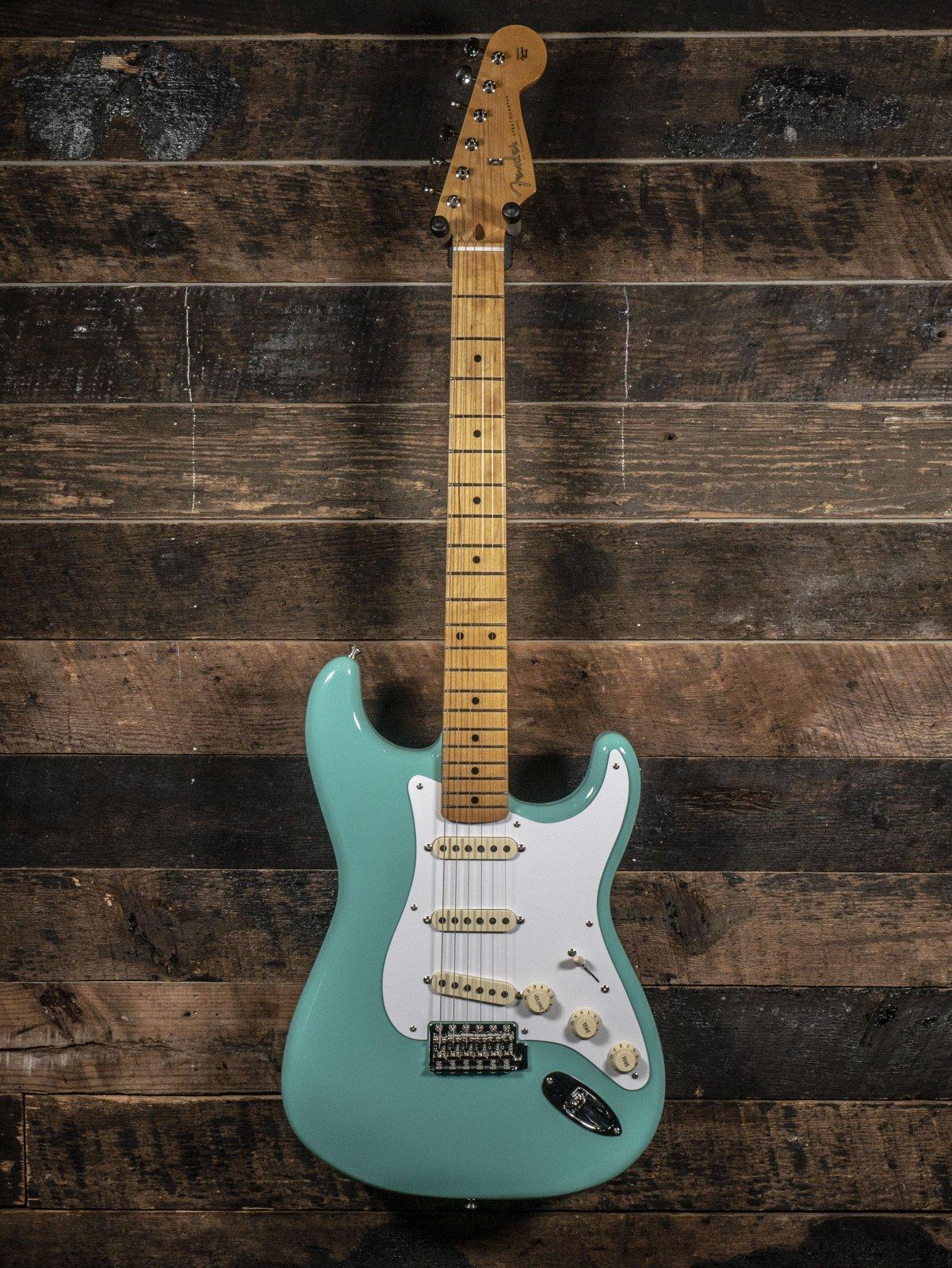 Fender Vintera '50s Stratocaster®, Maple Fingerboard, Sea Foam Green