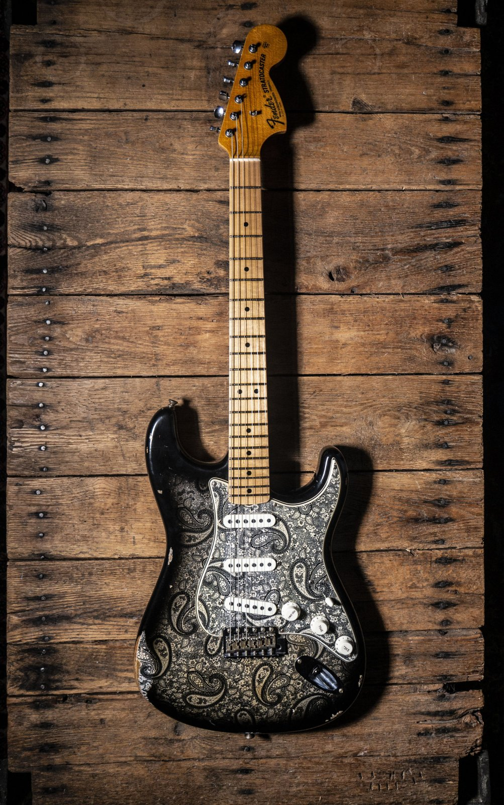 Fender Custom Shop Limited Edition '68 Stratocaster Black Gold (Hand Selected)