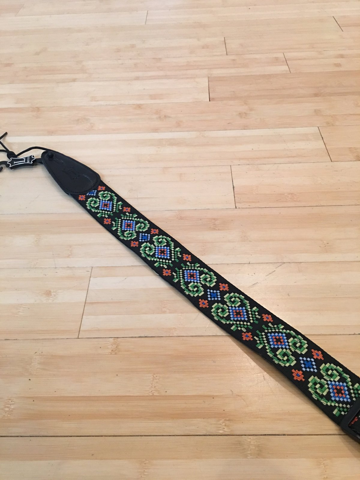 Levy's 2 jacquard guitar strap with garment leath MGHJ2-008