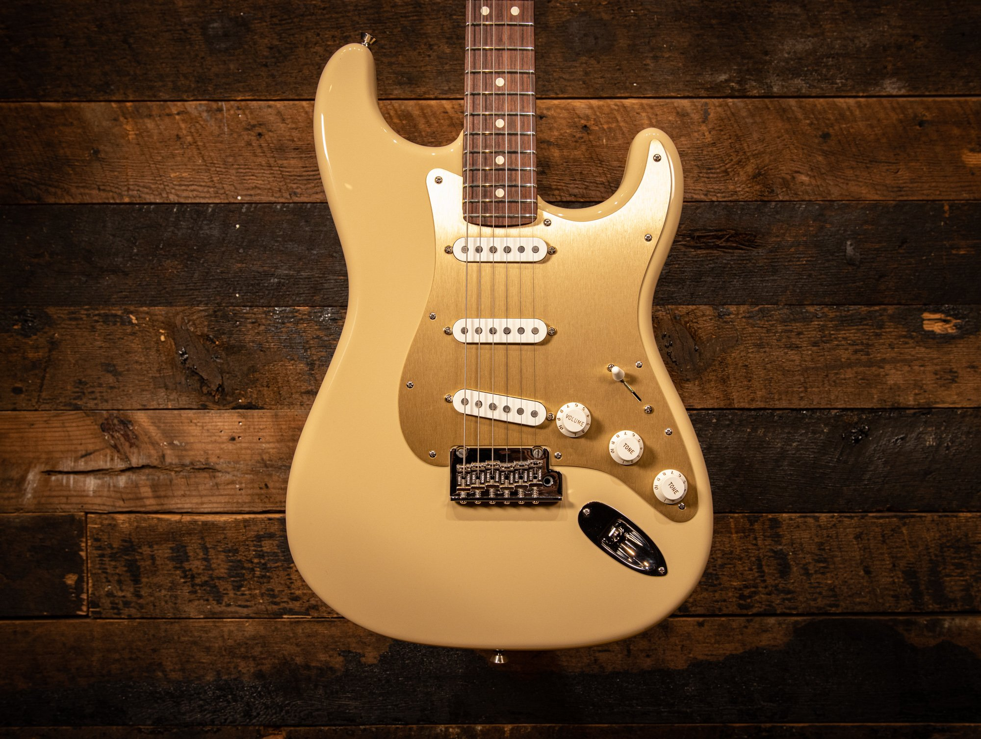 Fender 2019 Limited Edition American Professional Stratocaster Guitar, Solid Rosewood Neck, Desert Sand