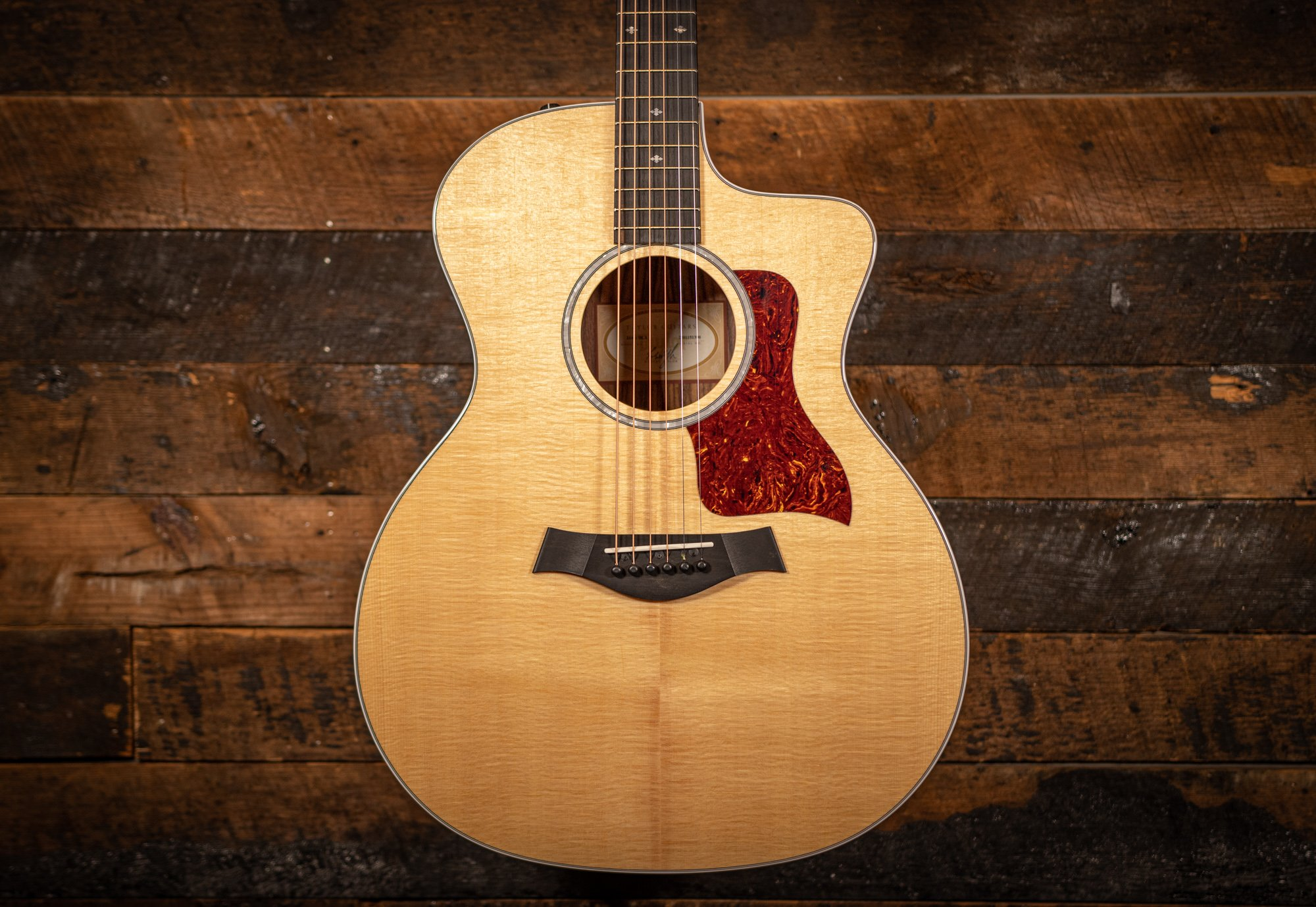 Taylor 214ce East Indian rosewood Dlx