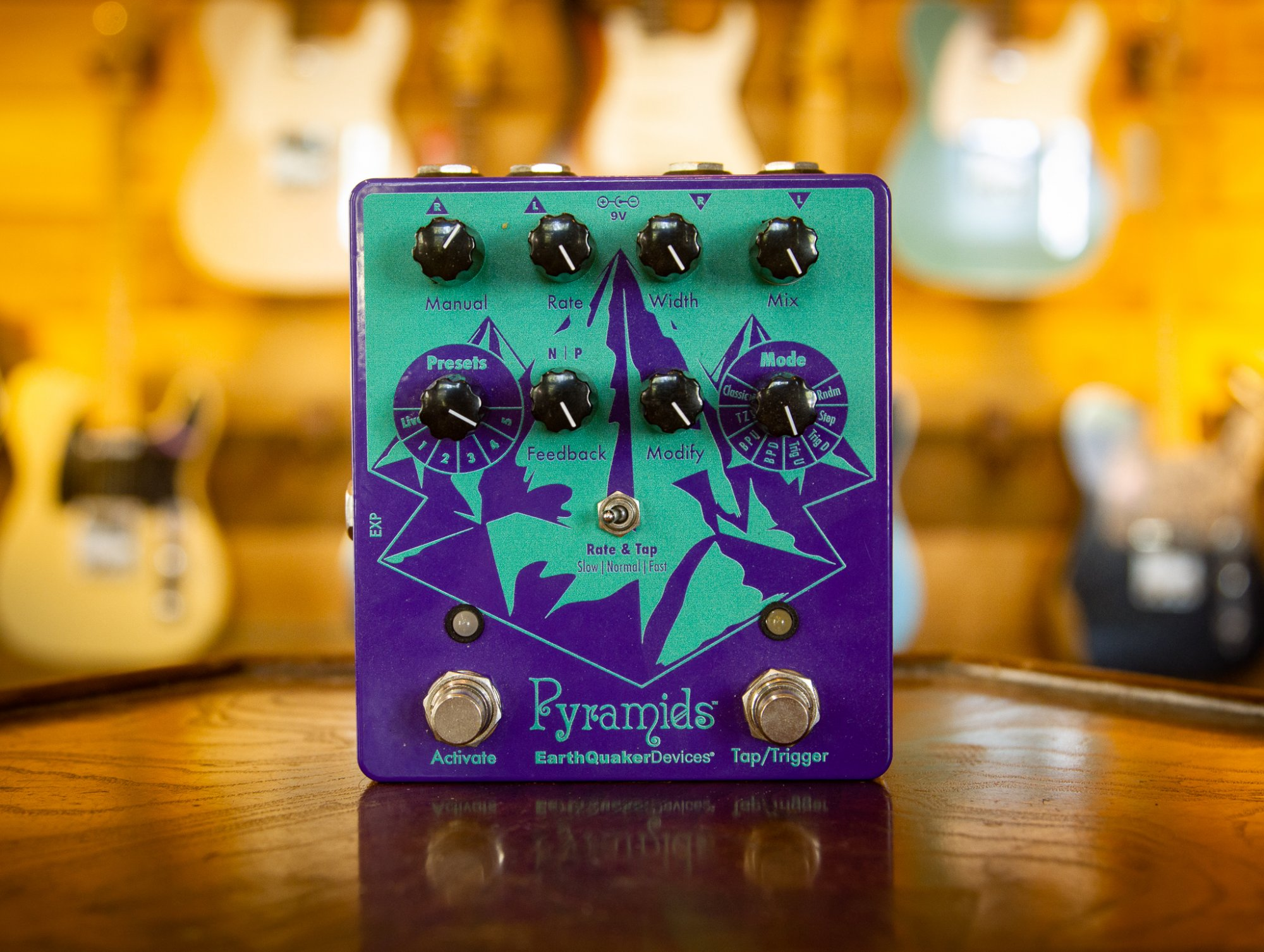 Earthquaker Devices Pyramids Pedal