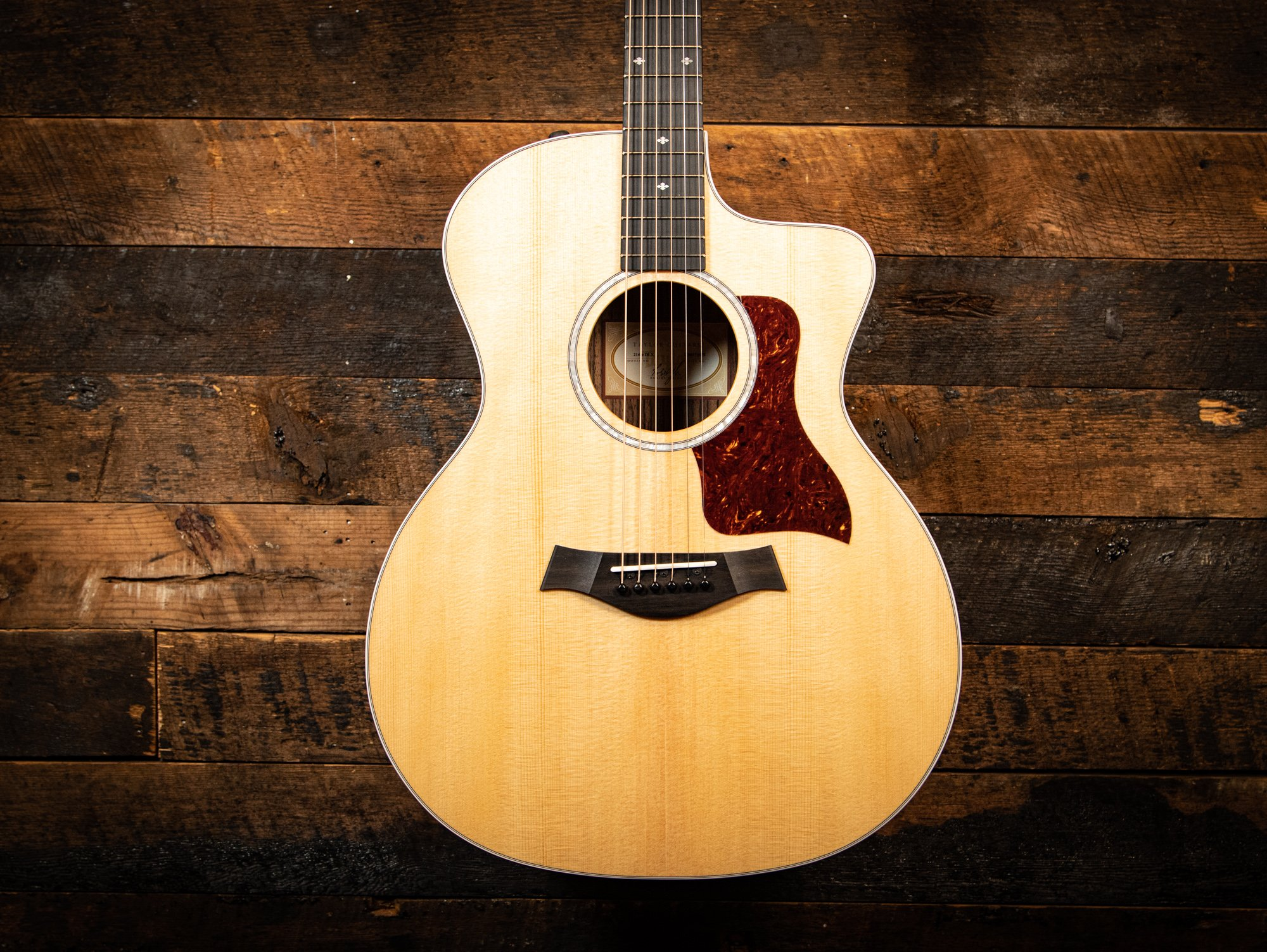 Taylor 214ce Deluxe Acoustic-Electric Guitar - Natural with Layered Rosewood Back & Sides