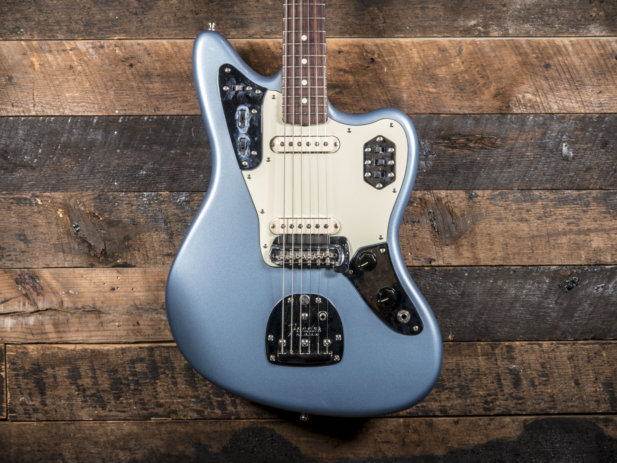Pre Owned Fender AVRI 62 Jaguar
