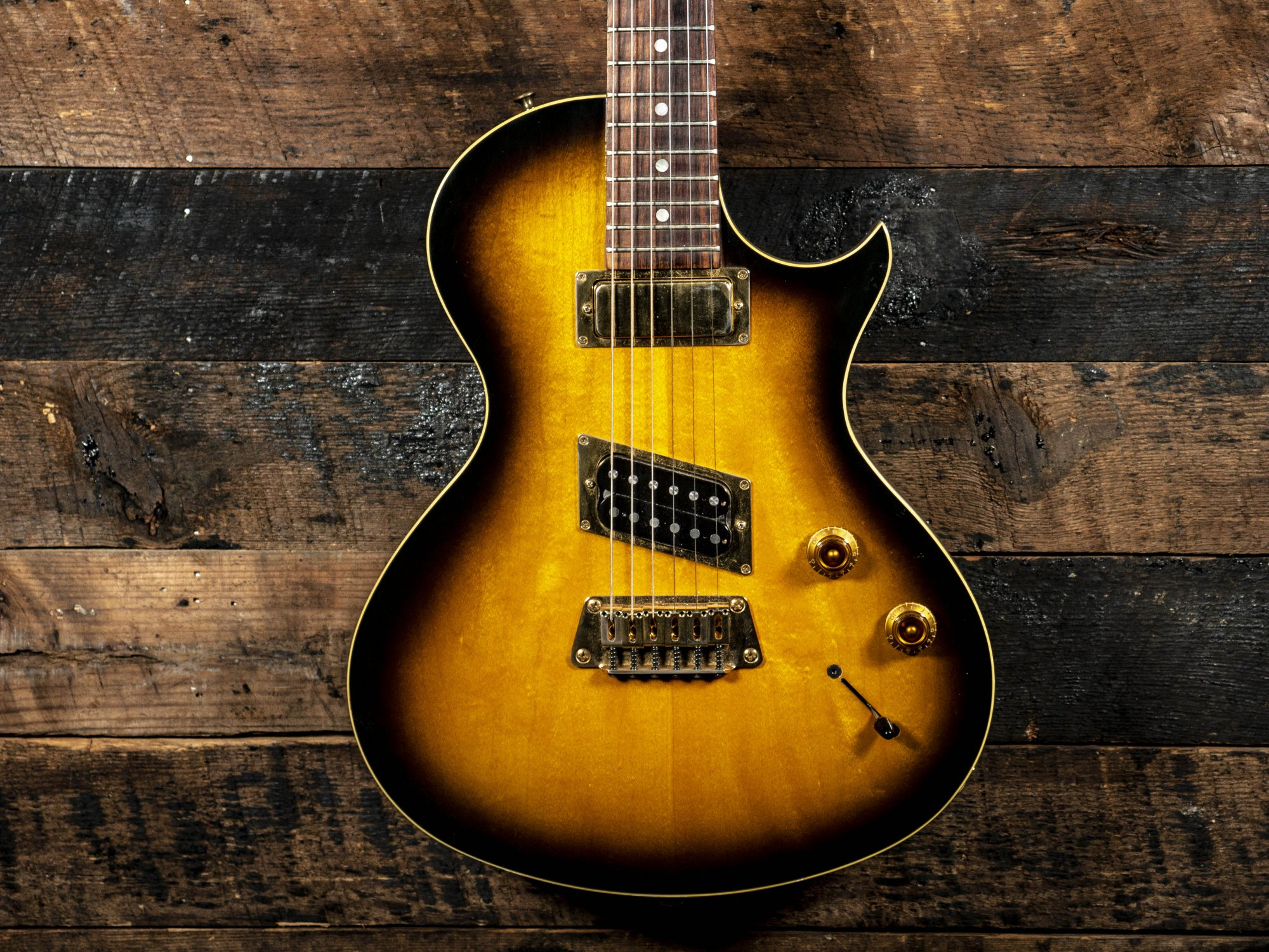 Pre Owned Gibson Nighthawk