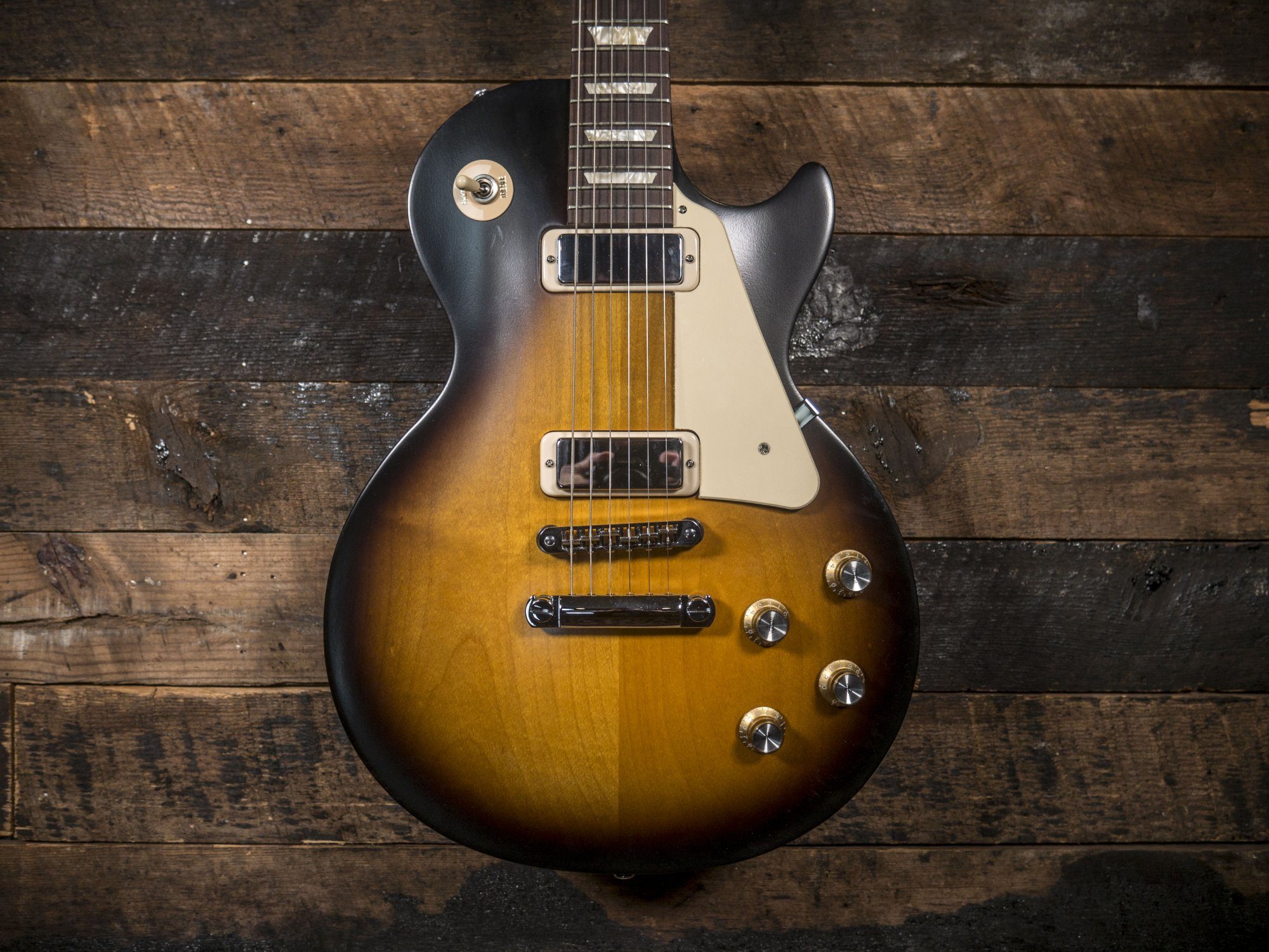 Gibson Les Paul Studio 70?s Tribute Satin Vintage Sunburst w/Dark Back