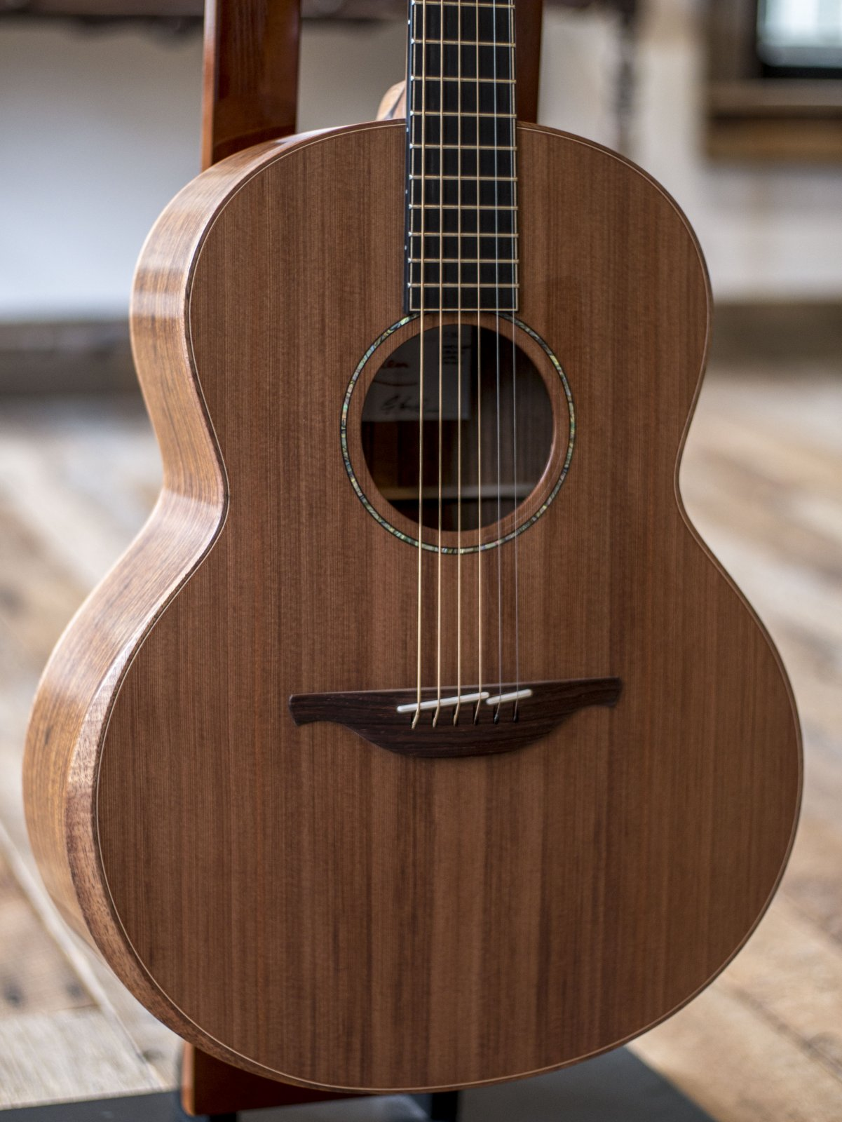 Lowden F-35 Sinker Redwood Top Guatemalan Rosewood Back & Sides
