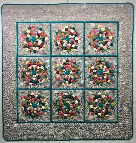 Checkered Dresden Plate