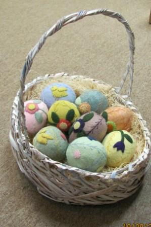 A Basket of Eggs # 397 from Little Stitches